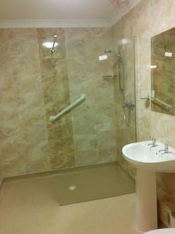 18 Bathroom02
