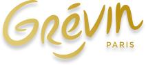 Un Maître entre à Grévin… Sapé comme jamais !