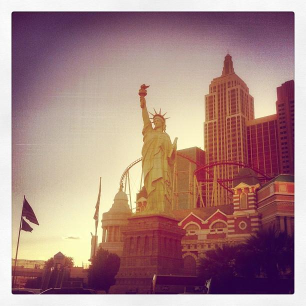 Viva Las Vegas! Time to spew in my sleep and lose my mind