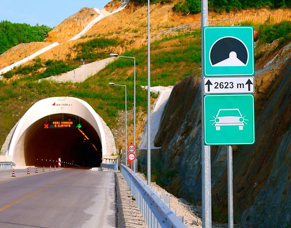 Tunnel-Albania.jpg