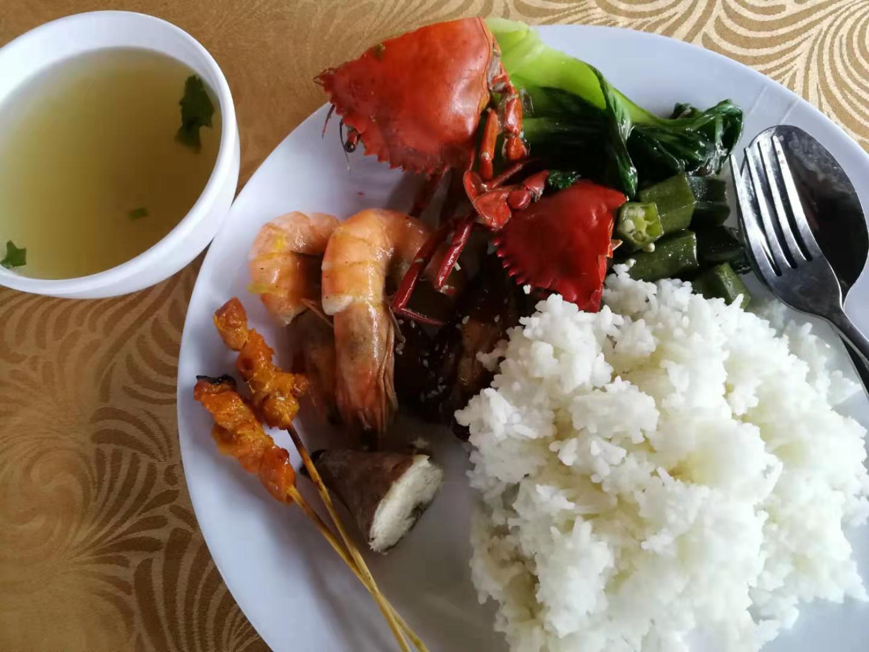 Buffet lunch in Sepanggar island