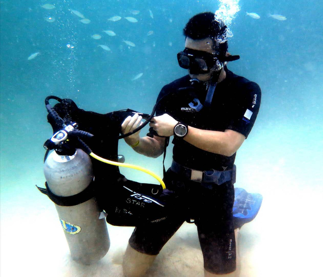 Learn basic dive skills.jpg