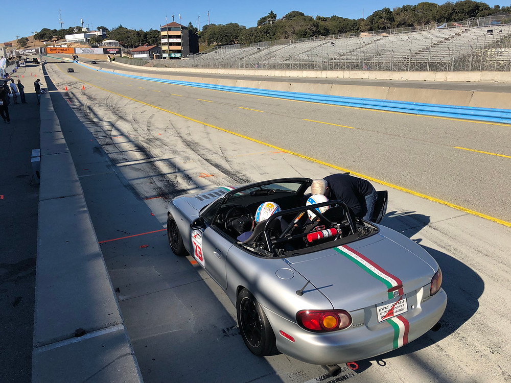 Miatas at Laguna Seca, Rocketeer MXV6