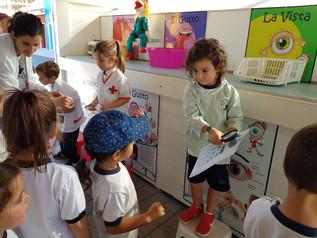 Los alumnos de Infantil del Colegio Chiner Villarroya aprenden buenos hábitos sobre Educación Vial