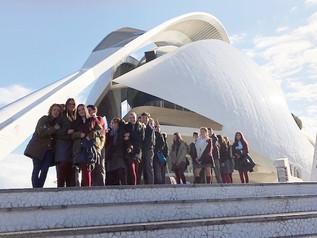 Los alumnos de 1º y 2º de ESO visitan el Palau de les Arts para ver la obra L'home invisible