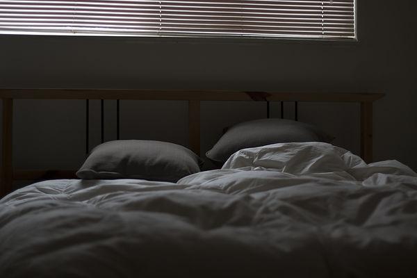 bed-731162_1920.jpg