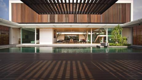 Suri Club House