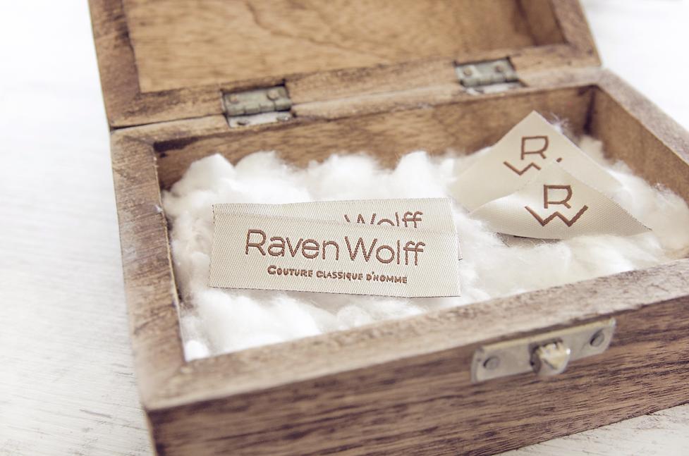Diseño etiquetas de Raven Wolff