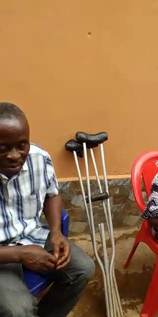 Die Kinder von Holy Ghost können ihr Glück für die Hilfe nicht fassen und sind sehr froh.
