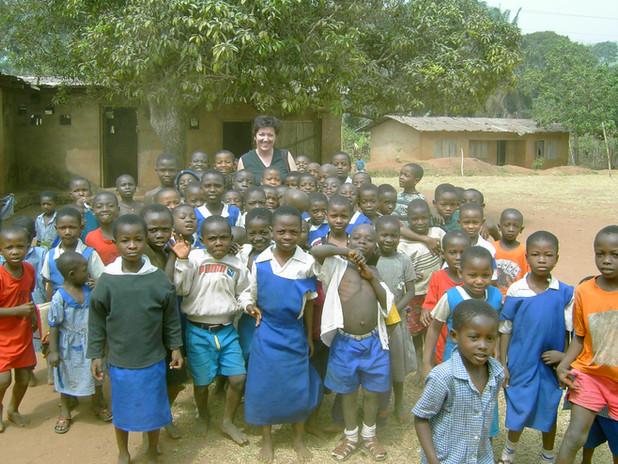 Während der ersten Reise 2004 nach Nigeria besuchte Ulrike Freisberg die Primary School in Okpatu.