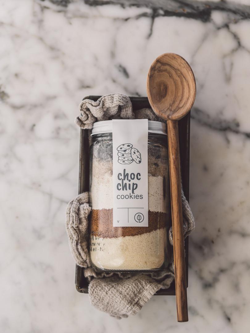 Choc Chip Cookies Jar Mix Process Shot 1