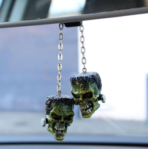 Frankie Skull Danglers 3D