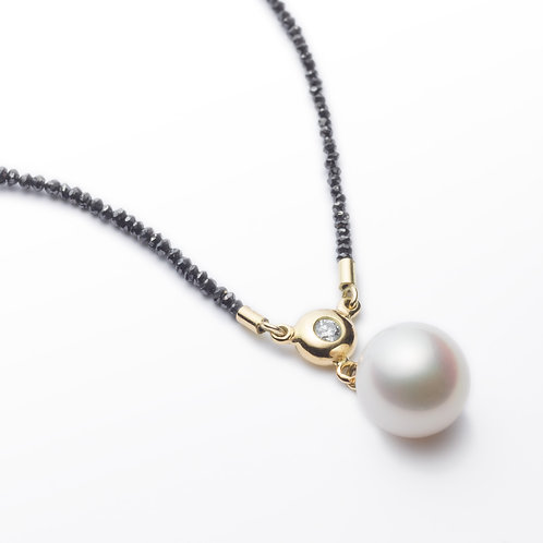 18ct yellow gold black diamond pearl necklace