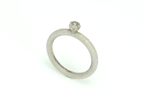 Starbud 18ct white gold ring with diamond