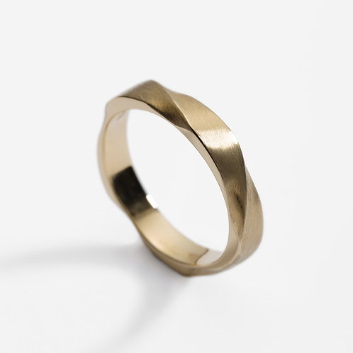 18ct yellow gold twist wedding ring