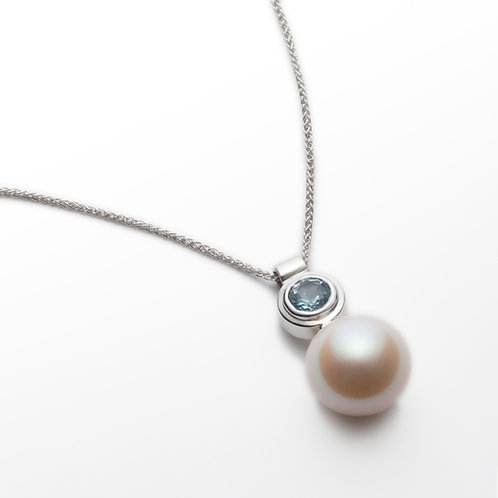18ct white gold aquamarine pearl pendant