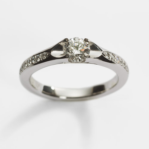 Platinum Diamond Engagement Ring with Diamond Shoulders