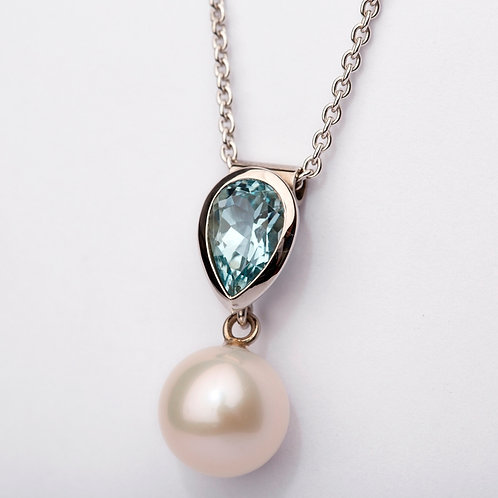 Aquamarine and Pearl Pendant in 18ct White Gold