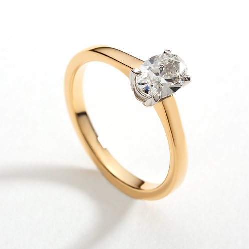 18ct gold Inishmore oval engagement ring