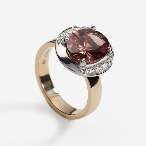 18ct white and rose gold dress ring with oval zircon