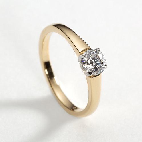 18ct Yellow Gold claw set Diamond Ring