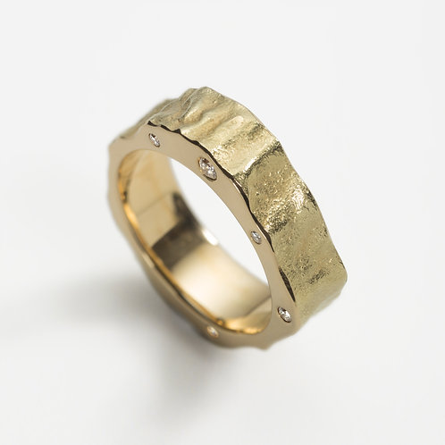 'Talisman I' 18ct yellow gold ring with diamonds