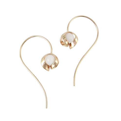 Tuohi 9ct yellow gold medium wire earrings