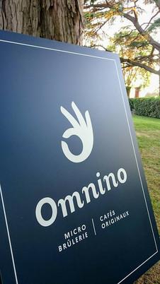 Omnino enseigne