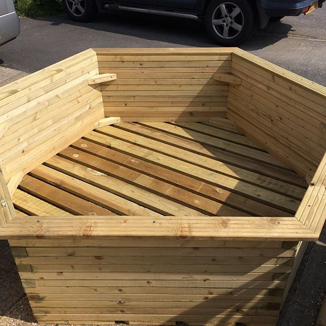 2 6ft x2ft bespoke planters