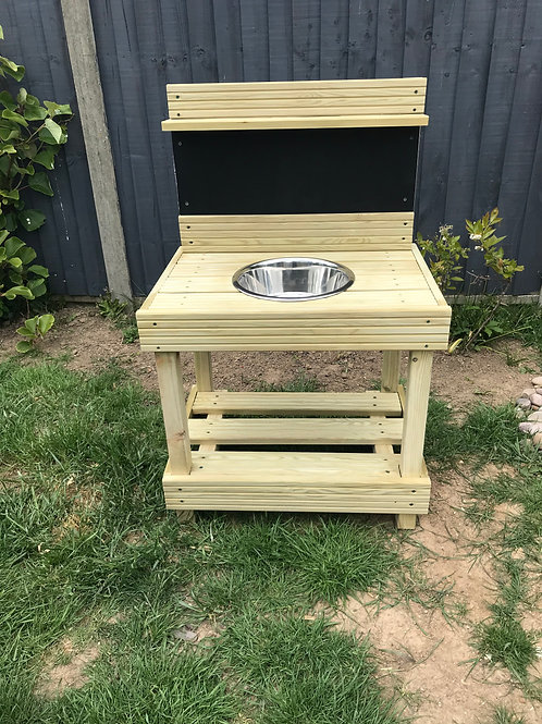 Single Mud Kitchen- price includes delivery