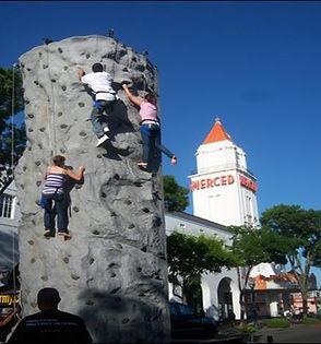 climbing rock in merced