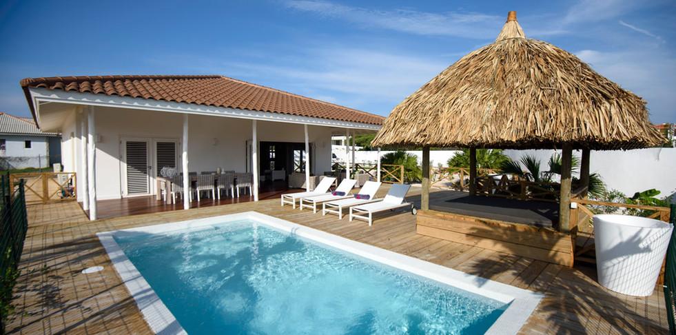 Villa Jan Thiel White.jpg