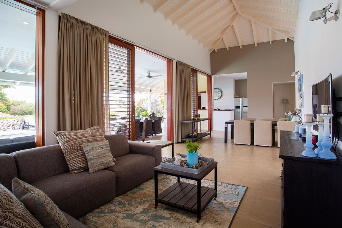 Villa012.jpg