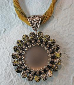 Gladys & the Pips Pendant