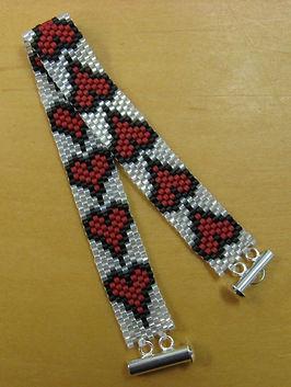Beading Heart Bracelet (2).JPG