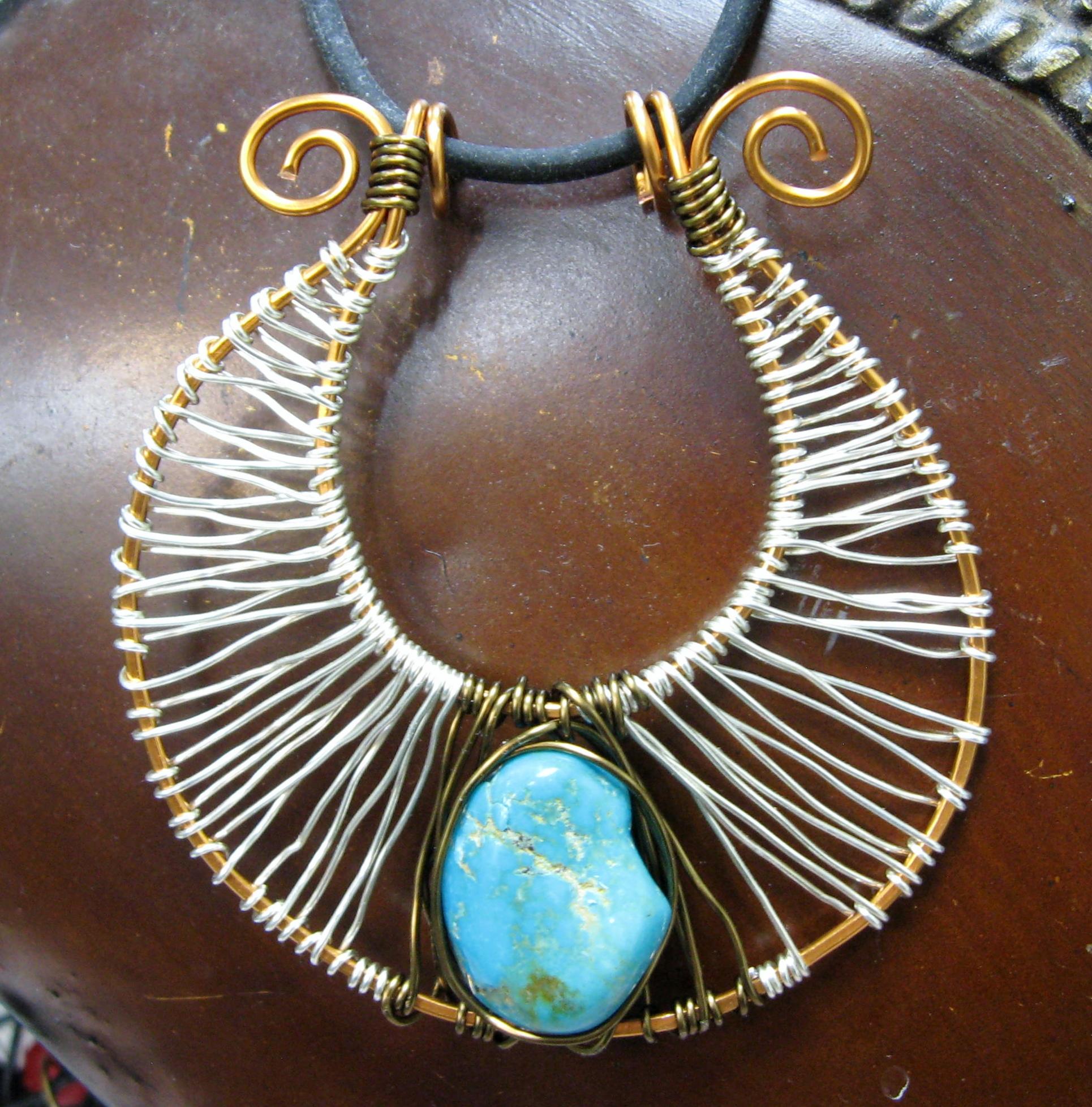 Horseshoe pendant