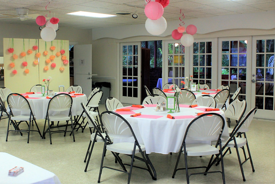 Club's luncheon tables