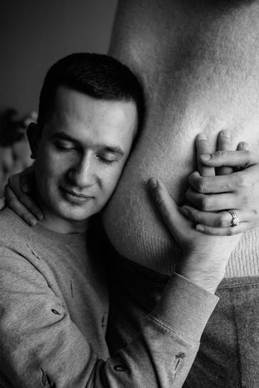Indoor maternity photo shoot