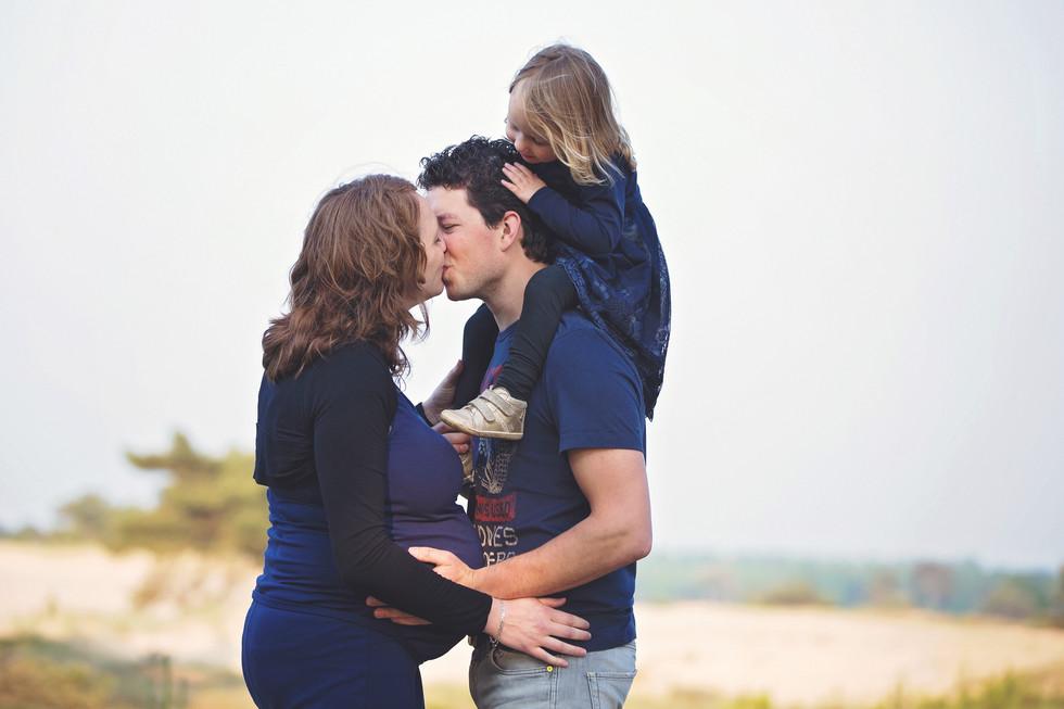 zwangerschapsshoot met gezin