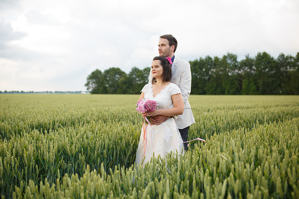 Romantic countryside wedding shoot in Drenthe