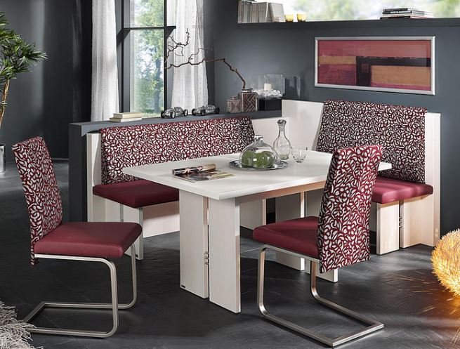 Panche e tavoli