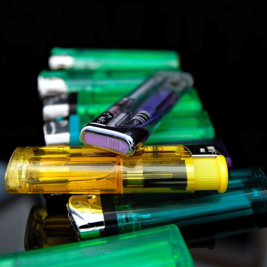 lighter-2651271_1920.jpg