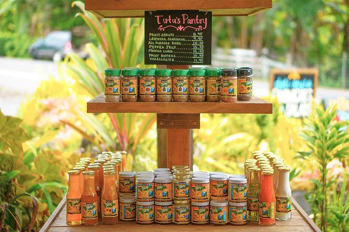 Tutu's-Pantry-Products-at-Hana-Farms