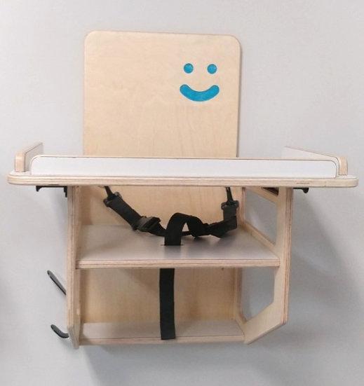 Attache pour chaise poupon et transition