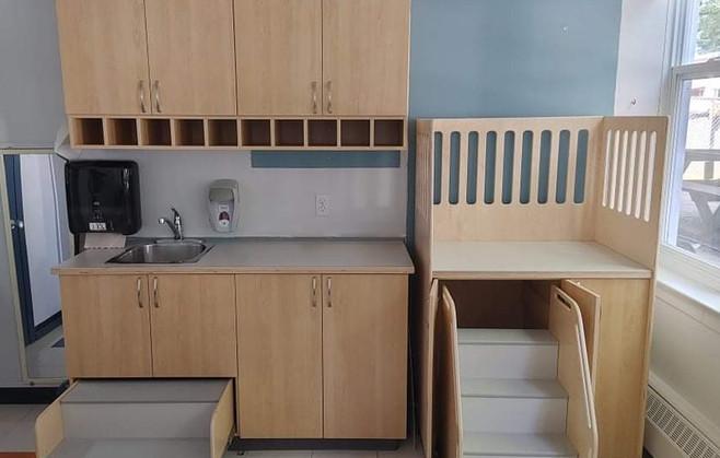 Cabinet lavabo hybride avec Marchepied