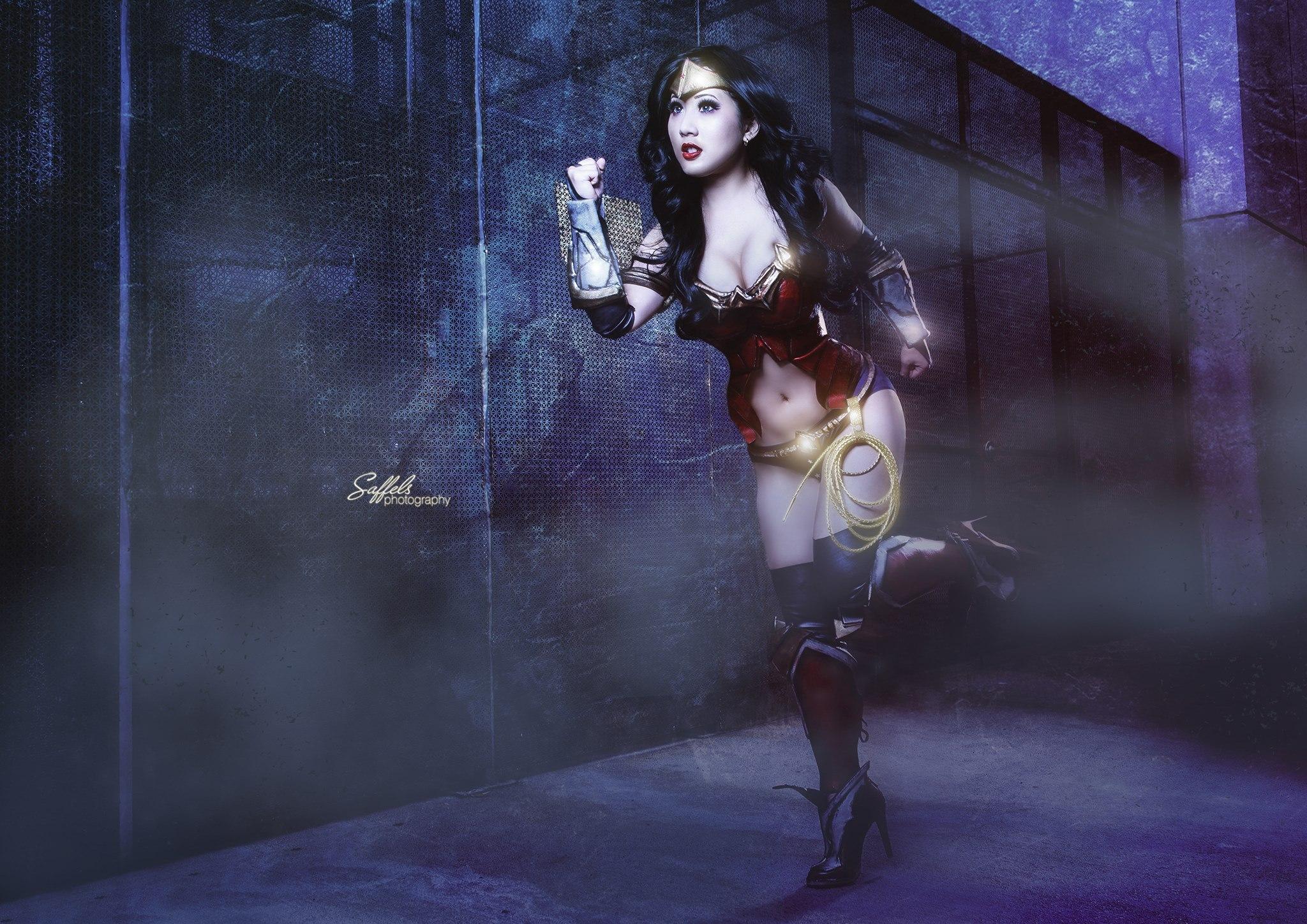 Play Arts Kai Wonder Woman