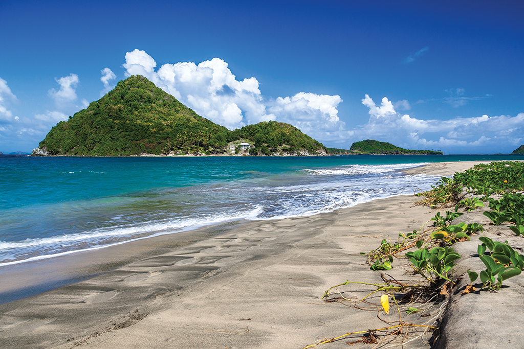 grenada_mountain_ocean_shore