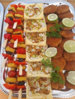 Mini Sojaschnitzel, Flammeküchle und Spieße