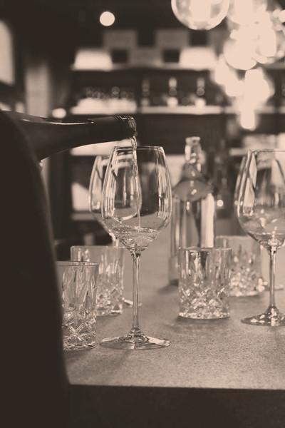 Gläser in der Weinhandlung und Vinothek in Luzern