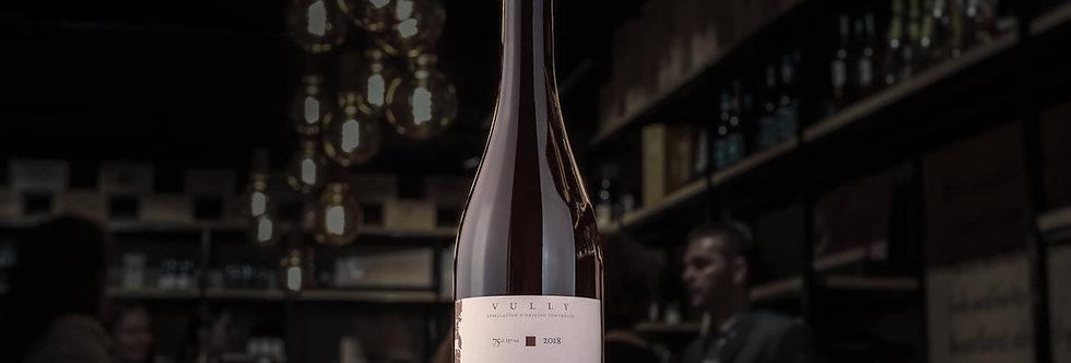 Etienne Javet von Javet & Javet baut seinen aime terre Pinot Noir im Stahltank aus.